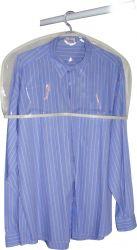 Ombreira para proteger as roupas do pó
